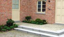 Aménagement de terrasse en pierre naturelle: Henrion Jardin