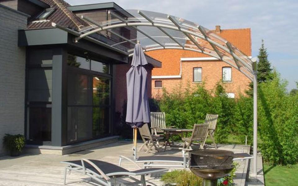 auvent de terrasse bozarc chez jardin confort. Black Bedroom Furniture Sets. Home Design Ideas