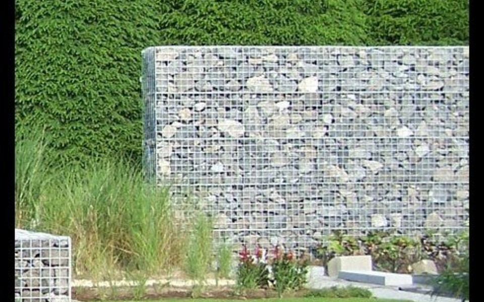 des gabions sur mesure chez e l s garden jardin et decoration amenagement et entretien belgique. Black Bedroom Furniture Sets. Home Design Ideas