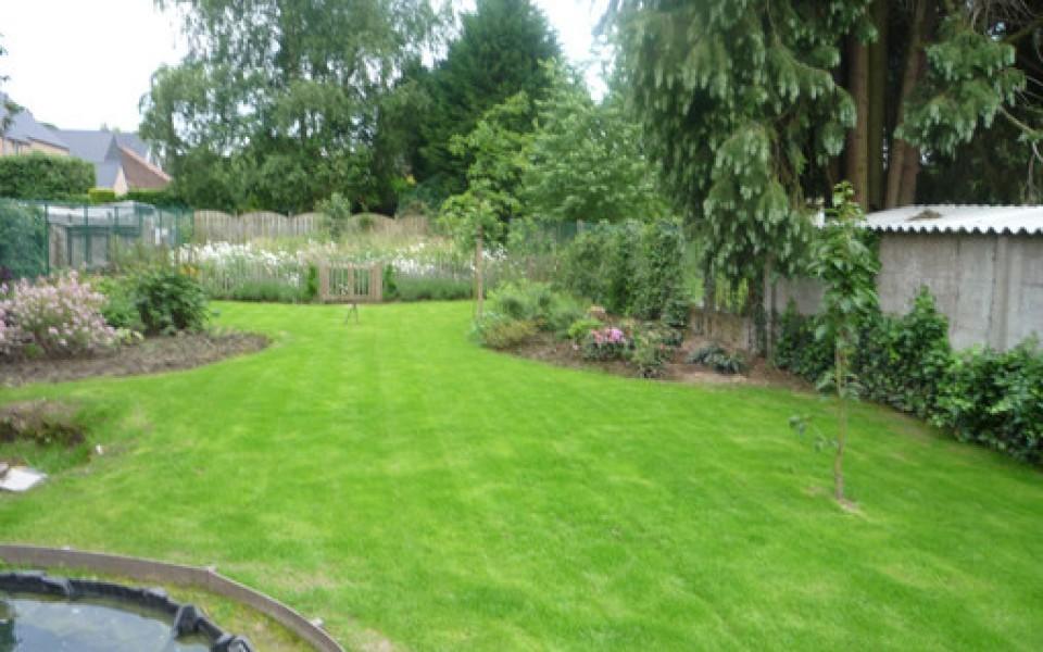 Entretien parc et jardin wavre for Tarif entretien jardin
