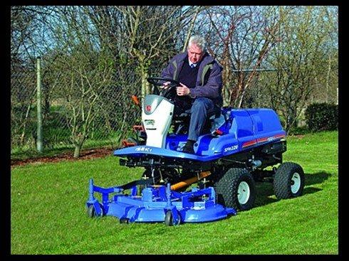 Tracteurs pro iseki chez pauly andrianne li ge verviers for Jardin expo 2016 liege
