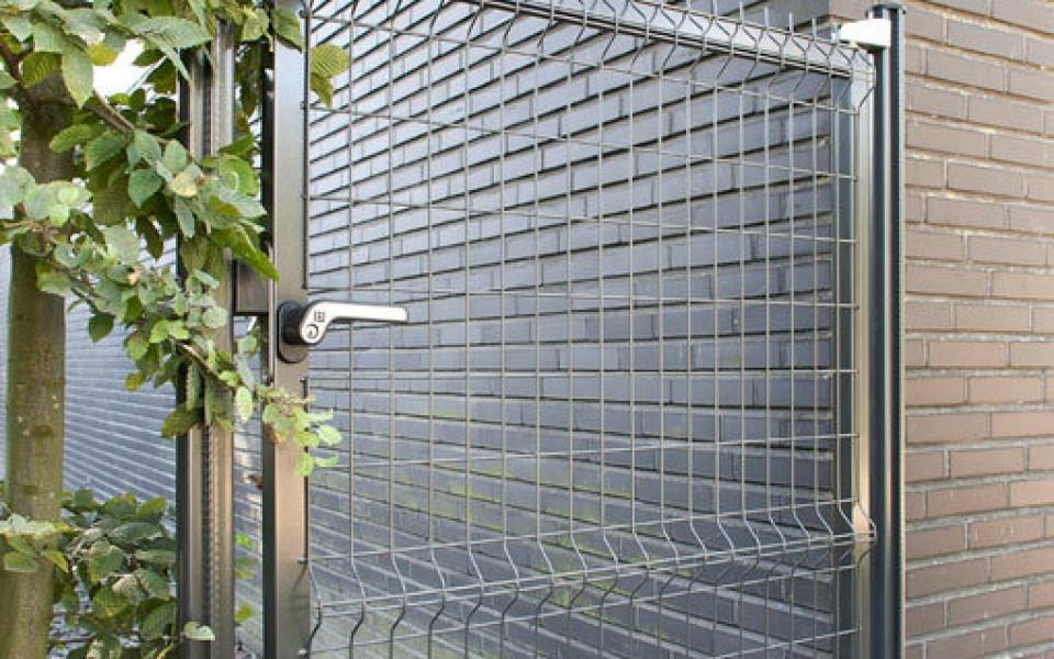 Cl tures de jardin bekafor de betafence for Porte cloture jardin
