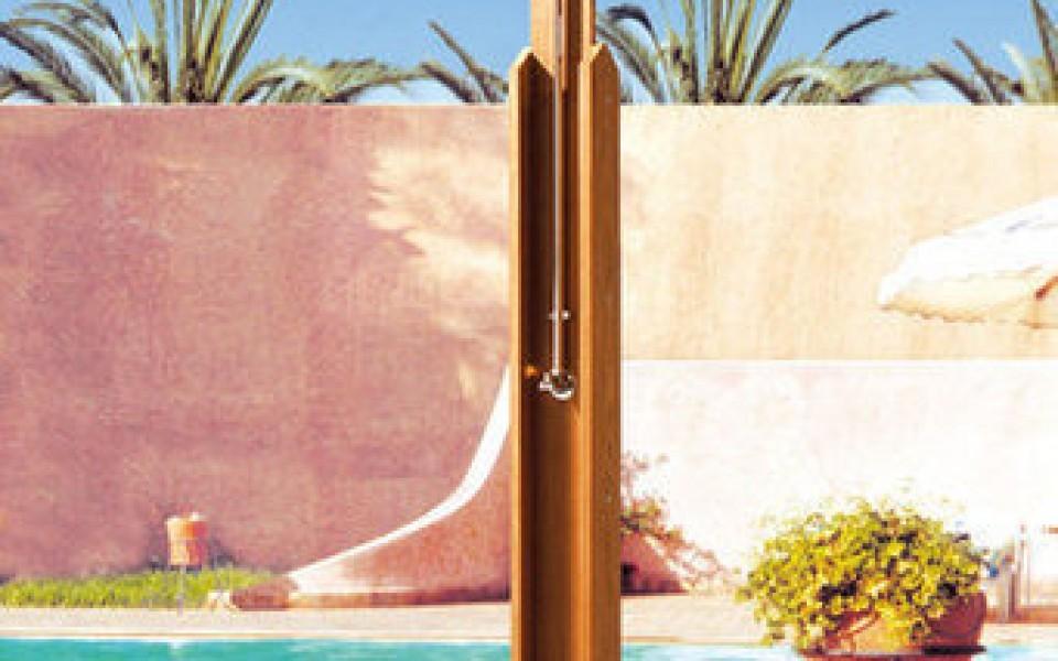 Douches de jardin compagnie des jardins jardin et for Decoration des douches