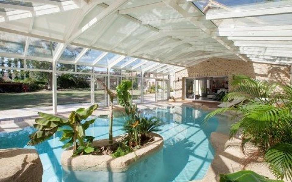 Abri de piscine mons for Abri patio club piscine