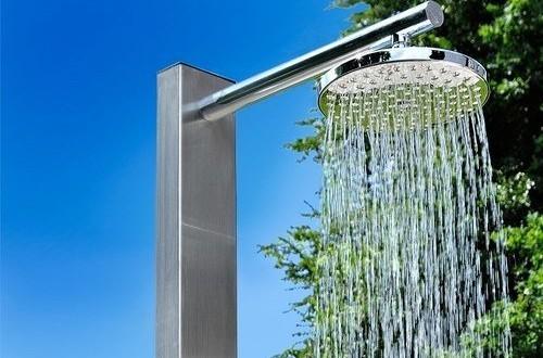 Douches de jardin compagnie des jardins jardin et for Pommeau de douche exterieur