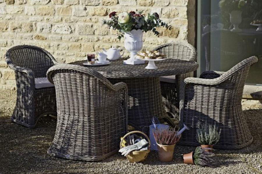 Salon jardin resine tressee waterloo uccle for Entretien jardin bruxelles