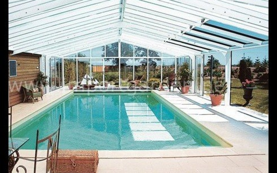 V randa piscine r tractable import garden for Veranda moderne piscine