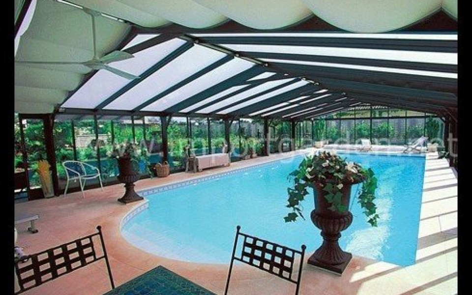 best piscine jardin retractable gallery amazing house. Black Bedroom Furniture Sets. Home Design Ideas