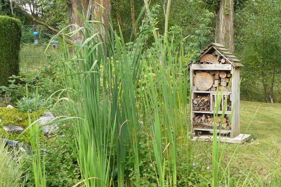 R alisation artisanale d 39 h tels insectes for Entretien jardin bruxelles