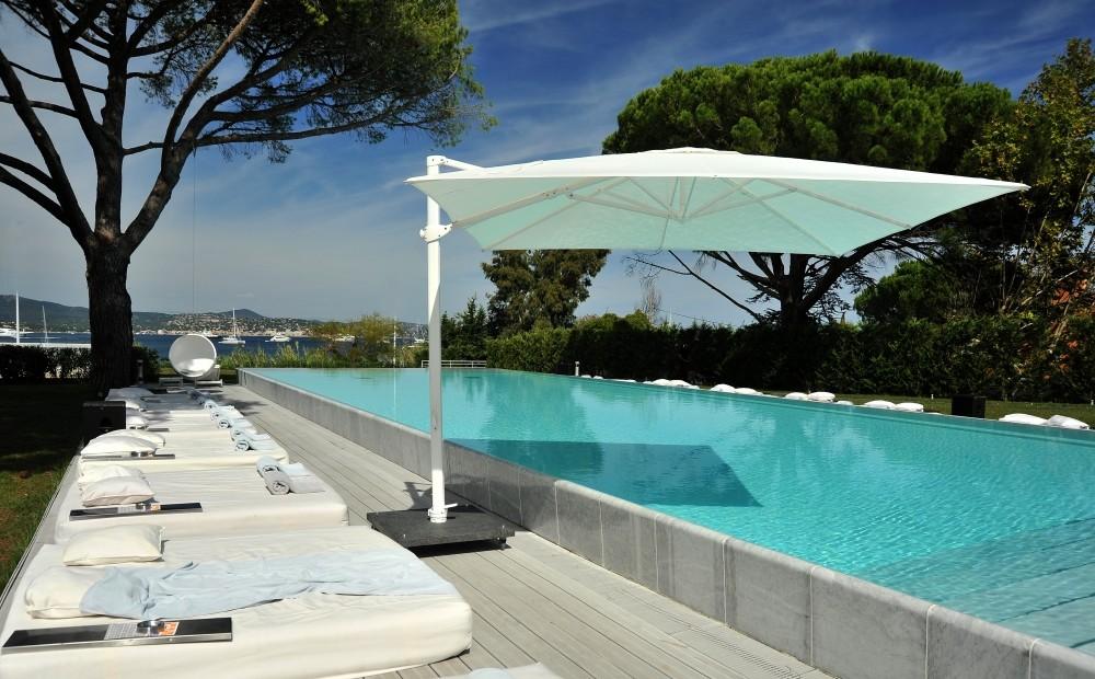 Parasol de jardin d port tournai for Salon jardin tournai 2016
