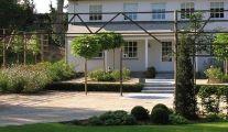 Aménagement de votre allée de jardin par Henrion Landscapers