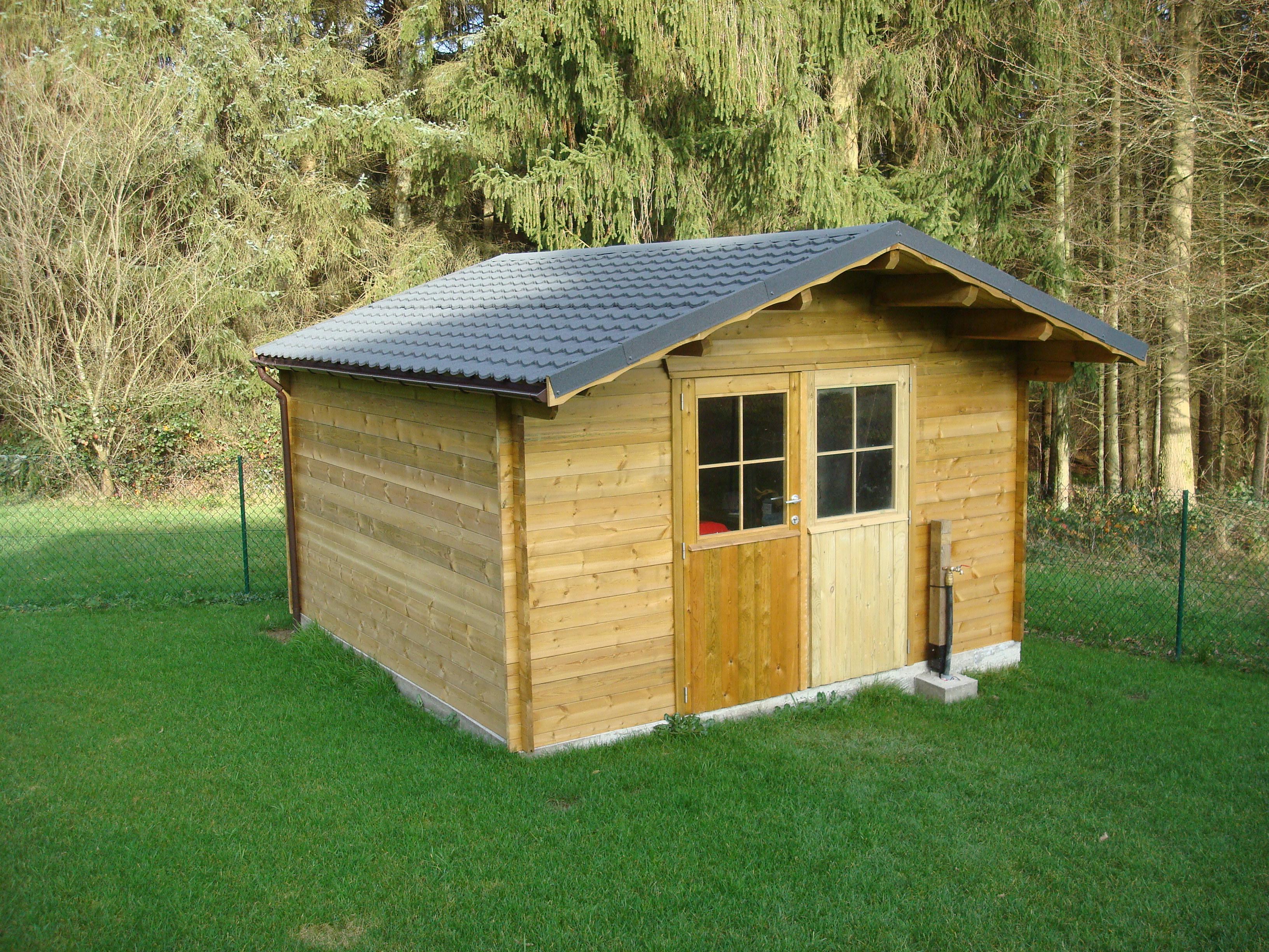abri de jardin en bois ou cottage chez mega abris. Black Bedroom Furniture Sets. Home Design Ideas