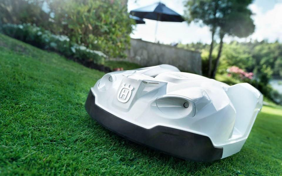 les tondeuses robot chez jardiland lange goz e jardin et. Black Bedroom Furniture Sets. Home Design Ideas
