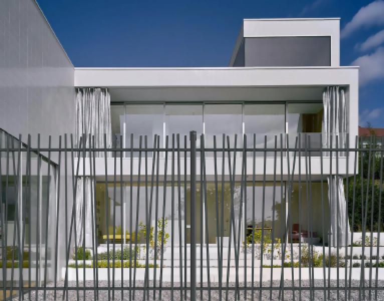 Betafence: Installer soi-même sa clôture CreaZen ?